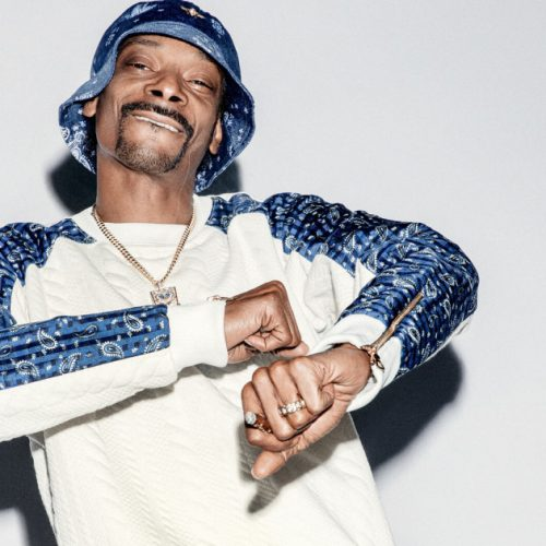Snoop Dogg — «Look Around» (feat. J Black)